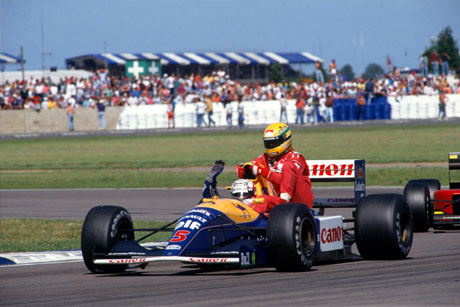 Nigel Mansell gave Ayrton Senna a lift back to the pits in 1991.