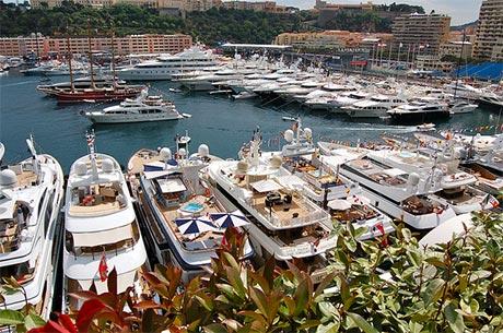 monaco-harbour-full-of-boats